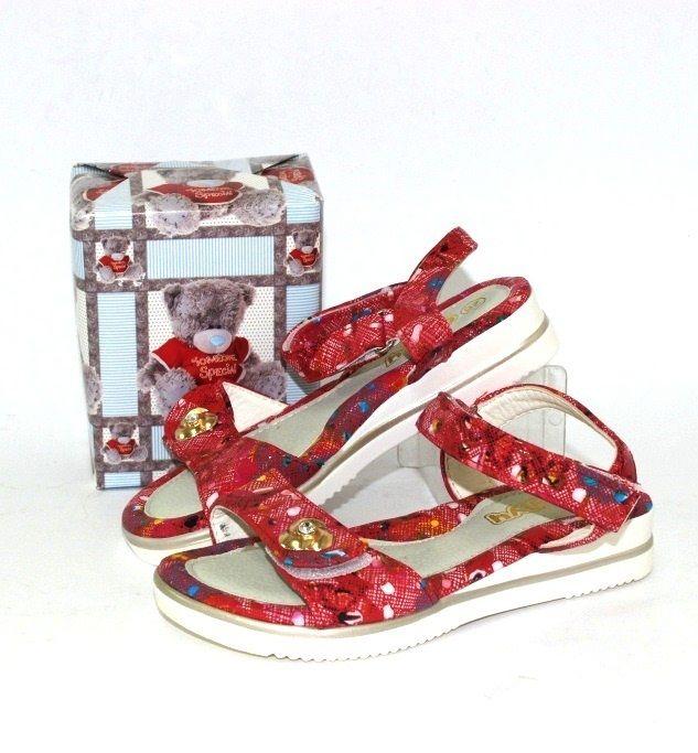 Босоножки и шлепанцы - лучший выбор детской обуви!