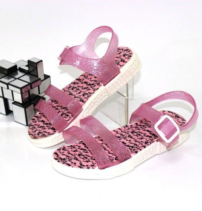 Взуття для хлопчиків і дівчаток за низькими цінами