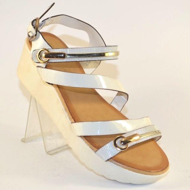 Жіночі босоніжки на танкетці недорого в сандалях, купити білі жіночі босоніжки