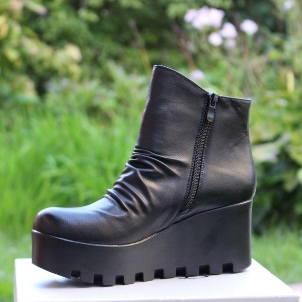 ... Ботинки осенние на платформе купить в Запорожье, купить женскую осеннюю  обувь Украина 2 ... ee2589ef9f6