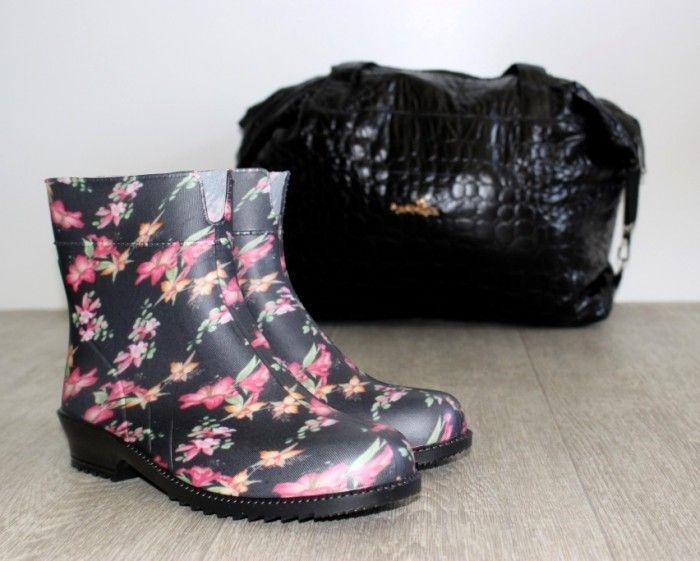Гумові чоботи - від негоди купити недорого в Україні