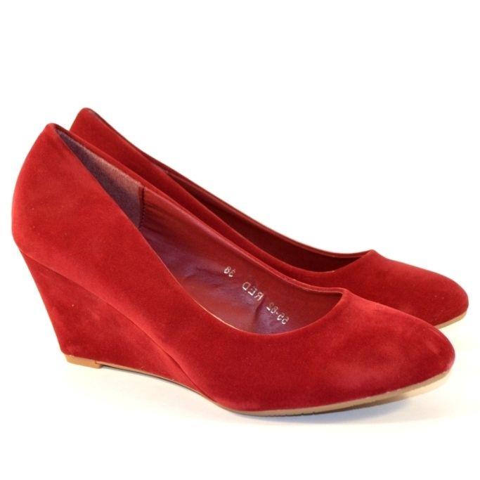 Недорога жіноче взуття, червоні туфлі на танкетці в Запоріжжі