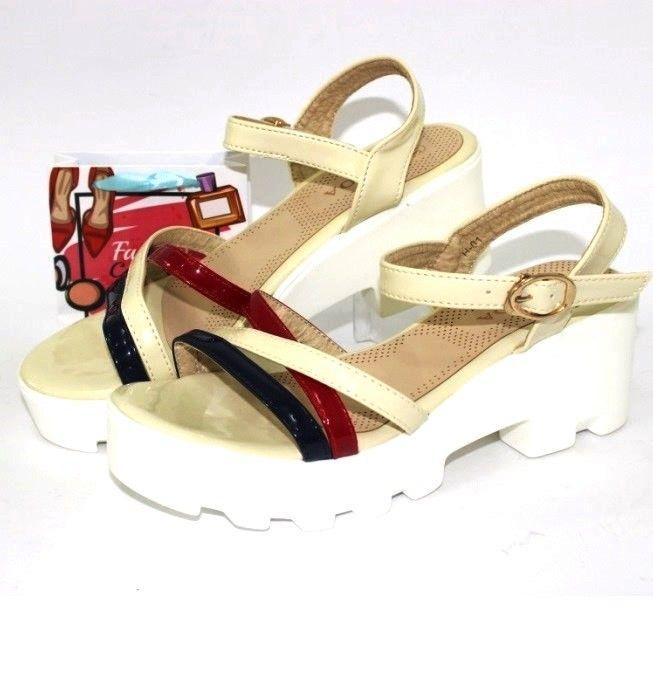 купить недорого летние белые босоножки на танкетке женская обувь летняя дешево низкие цены
