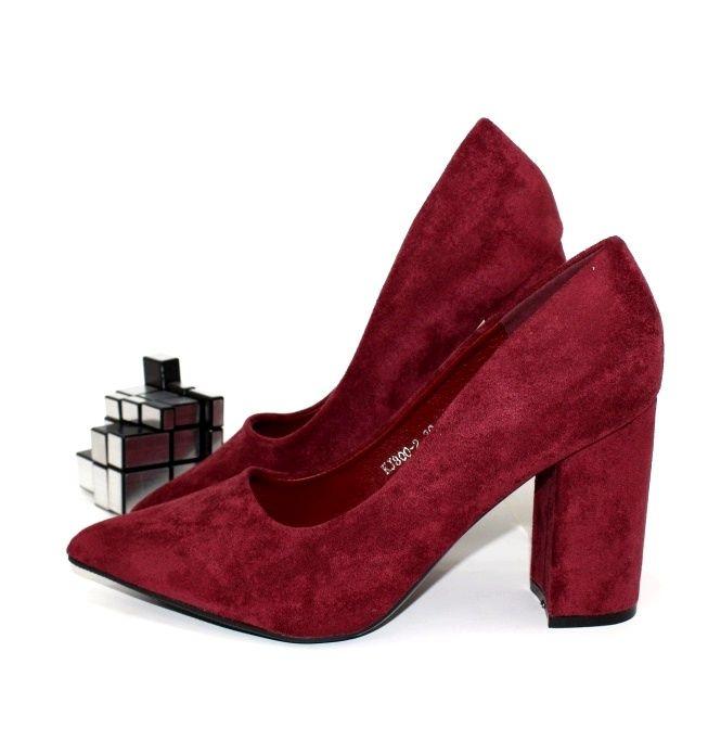 Бордовые классические туфли для женщин