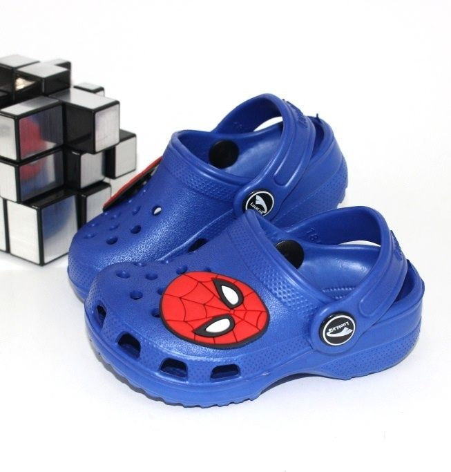 Детская обувь на лето, большой выбор сандалей, шлёпанцев и кроксов