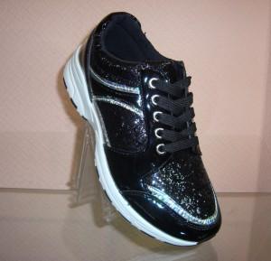Женские спортивные кроссовки - обувь для всей семьи!