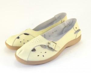Кожаная женская обувь недорого в Сандале, кожаная летняя обувь Украина, кожаные мокасины купить