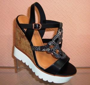 купить женские босоножки на танкетке платформе недорого черные летняя женская обувь
