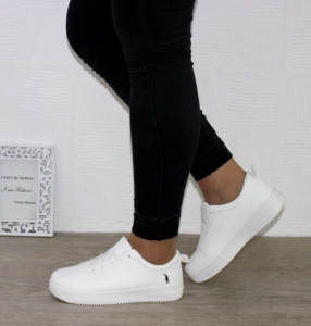 жіночі кросівки