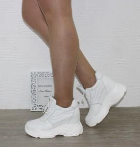 Снікерси (sneakers) - стильні черевики на платформі